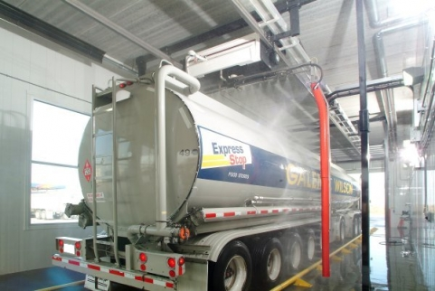 Touch free automatic large vehicle wash system